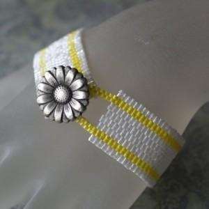 time2cre8 flower button bracelet