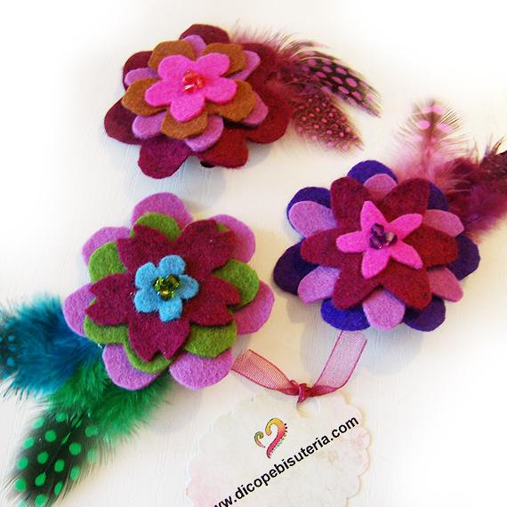 pinzar flores fieltro y plumas
