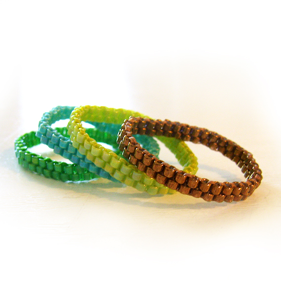 4 Stackable Rings in Bronze Green and Blue Beads (3)