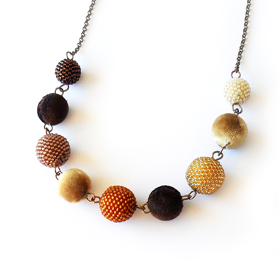 Autumn Necklace with Brown Velvet and Beaded Beads (5)