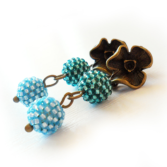 Flower Stud Earrings Teal and Blue Glass Berry Beads Earrings (4)