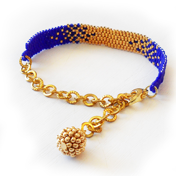 Gradient Bracelet with Gold and Dark Blue Glass Beads - Beadwork Bracelet (3)