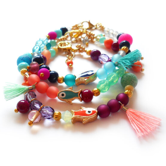 Hawaii Bracelet with fish beads , glass beads and tiny tassels (9)