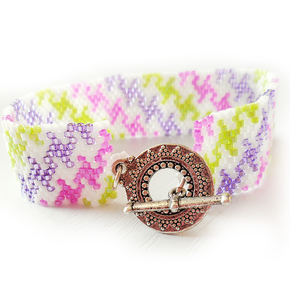 Houndstooth Wide Glass Beads Bracelet in Pink , Purple , Green and White (2)