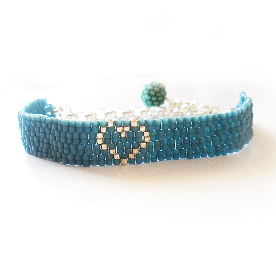 Laura Heart Bracelet with Blue and Silver Glass Beads (4)