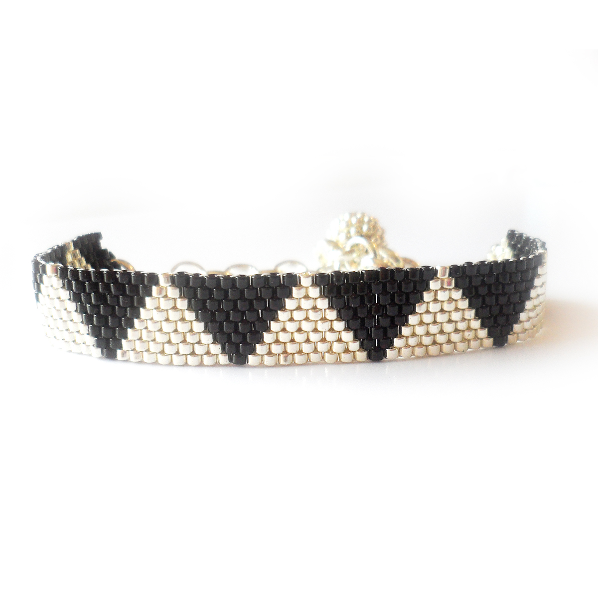 pulsera-audrey-pulsera-triangulos-plata-y-negro-2