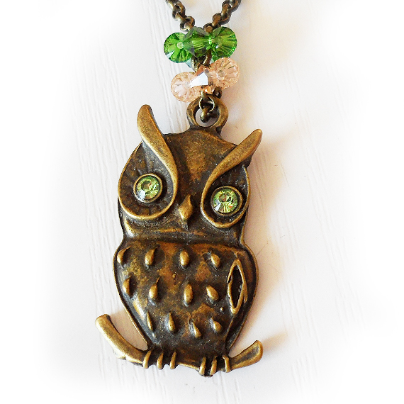 Swarovski Owl Pendant in green beads  (2)