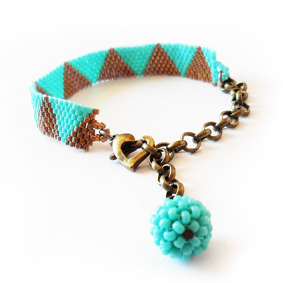 Triangle Bracelet with Bronze and Blue Glass Beads - Dicope Soul Charity Bracelet (3)