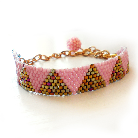 Triangle Bracelet with Bronze and Pink Glass Beads - Dicope Soul Bracelet (3)