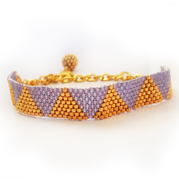 Triangle Bracelet with Gold and Lilac Glass Beads (4)