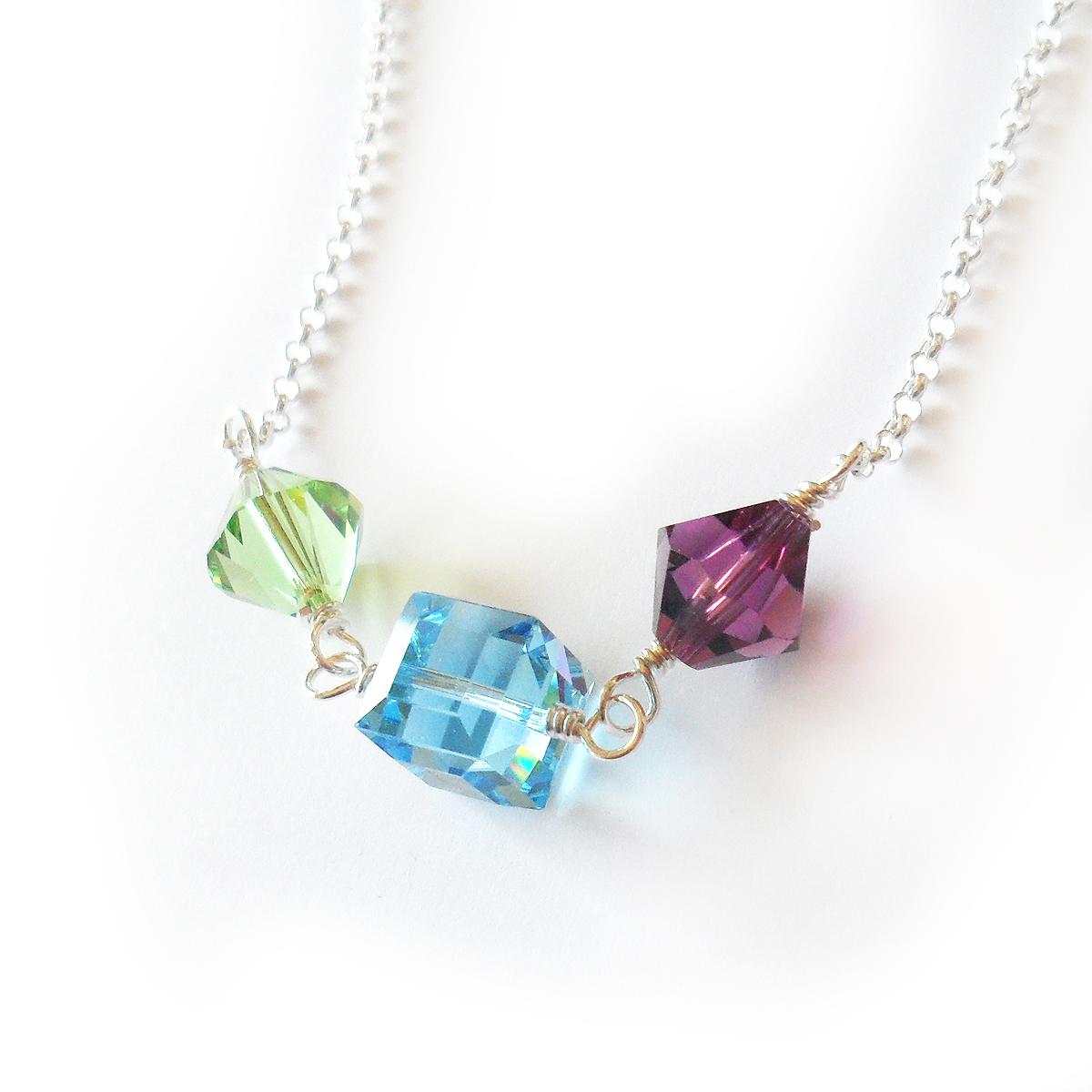 collar-marta-en-plata-de-ley-y-cuentas-de-swarovski-verde-lila-y-azul-3