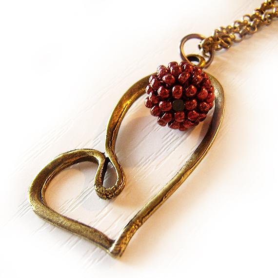 Collar corazon bolitas cristal burdeos rojo
