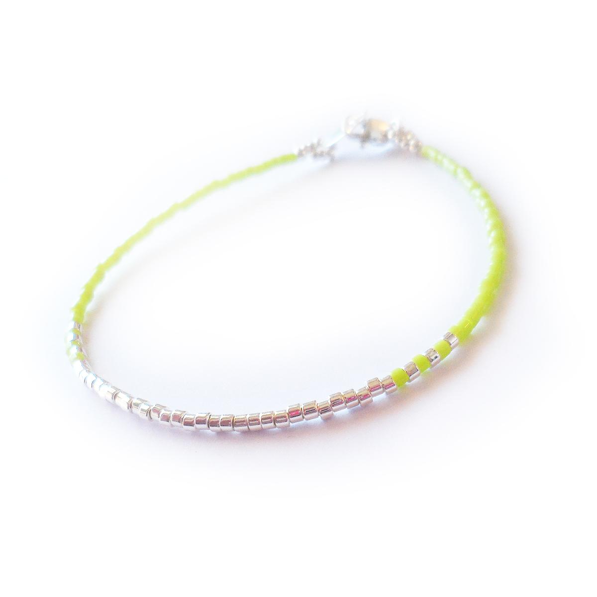 pulsera-tranquility-con-cuentas-de-plata-de-ley-y-bolitas-de-cristal-verde