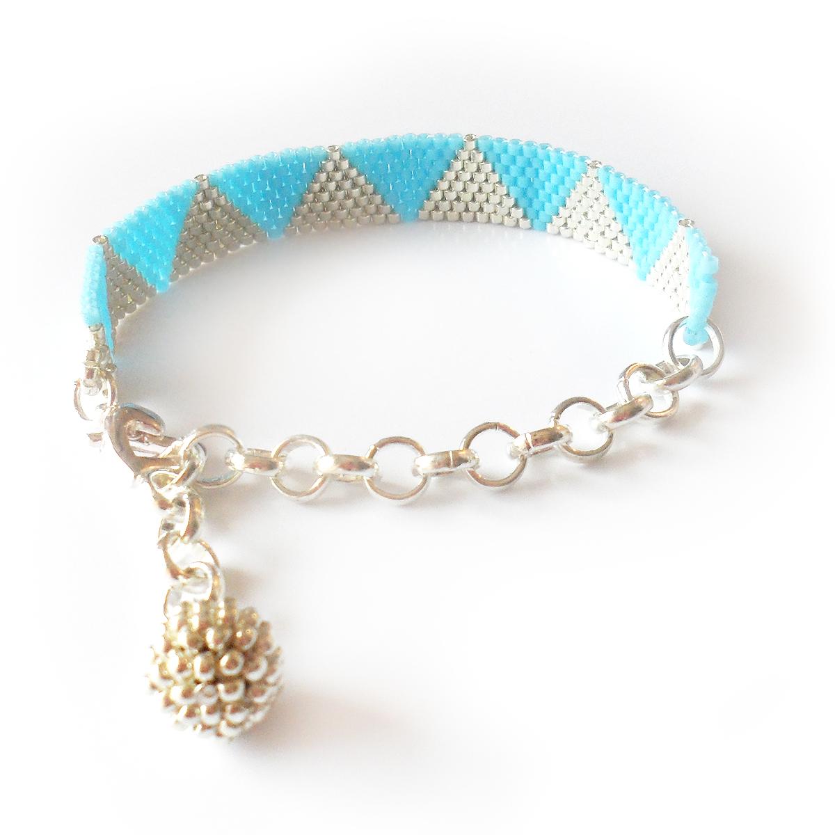 pulsera-triangulos-plata-y-azul
