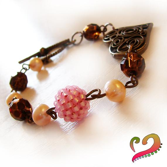 Pulsera Corazón Perlas y Bolitas Cristal Marrón