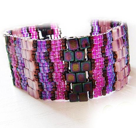 pulsera delicas abalorios cristal y cubos lila